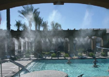 Il misting in parchi acquatici, parchi divertimento e piscine
