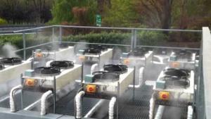 Adiabatische Kühlung für Kältemaschinen und Kühlanlagen